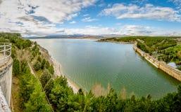 Sikter av Pantanoen de Aguilar de Campoo arkivfoto
