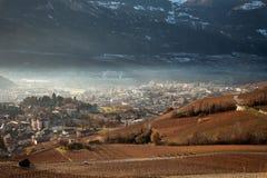 Sikter av Sierre och fjällängarna från Crans-Montana, Schweiz Royaltyfria Foton