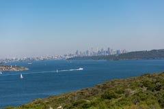 Sikter av Sydney från det norr huvudet som är manliga, Australien royaltyfri foto