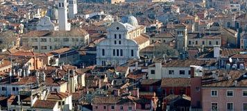 Sikter av Venedig från den Sanka Mark Bell Tower Arkivbilder