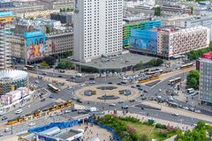 Sikter av Warszawa uppifr?n av slotten av kultur och vetenskap royaltyfri bild