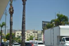 Sikter för Hollywood berglyriska dikter från den Hollywood boulevarden på gå av berömmelse i Hollywood Boluvedard royaltyfri bild