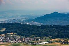 Sikter från till berget Lagern till Zurich Arkivfoton