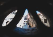 Siktsbro i Venedig från en annan bro Royaltyfria Bilder