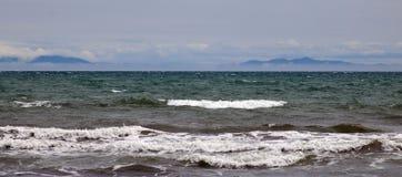 Siktskock Strait till den södra ön från den norr ön royaltyfria foton
