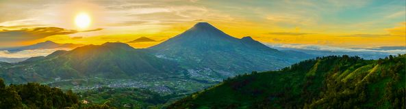 Sikunir hill sunrise Royalty Free Stock Photography