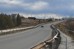 Silêncio da felicidade da vila do russo da estrada do russo Fotos de Stock