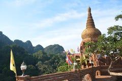 Silavadee bouddhiste sur lui Photo stock