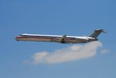 Silber farbiges Flugzeug Stockfoto