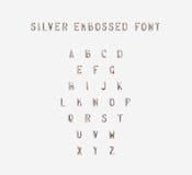 Silber prägeartiges Alphabet lokalisiert, Illustration 3d Lizenzfreie Stockfotografie