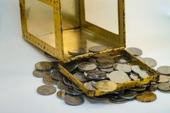 Silber- und Goldfarbe von malaysischen Münzen lizenzfreies stockfoto