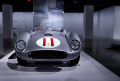 Silber und Rot Ferrari 1957 625/250 Testa Rossa Stockfotografie