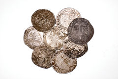 Silbermünzen der Weinlese mit Porträts auf einem weißen Hintergrund Stockfoto