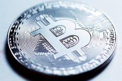 Silberne Bitcoin-Nahaufnahme Lizenzfreies Stockfoto