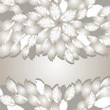 Silberne Blumen und Blattgrenzen mit Raum für Text Lizenzfreies Stockbild