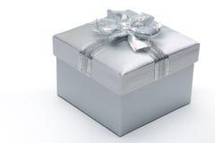 Silberne Geschenkbox Stockbild