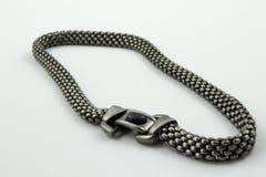 Silberne Halskette der Weinlese Stockbilder