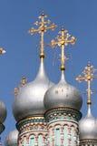 Silberne Hauben der orthodoxen Kirche Lizenzfreies Stockfoto
