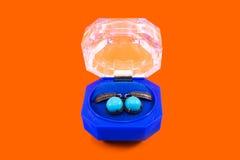 Silberne Ohrringe mit Türkis Stockfoto