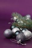 Silberne Weihnachtsverzierungen Lizenzfreie Stockfotos