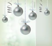 Silberne Weihnachtsverzierungen Stockfotografie