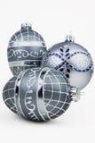 Silberne Weihnachtsverzierungen Stockfotos