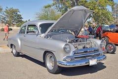 Silberner Gray Chevrolet Lizenzfreie Stockfotos
