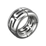 Silberner Ring getrennt auf Weiß Stockbild