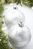 Silberner Weihnachtsflitter. Lizenzfreies Stockbild