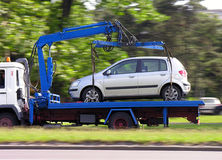 Silbernes Auto, parkende Verletzung lizenzfreies stockbild