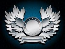Silbernes glänzendes Wappen mit Flügeln Stockfotos