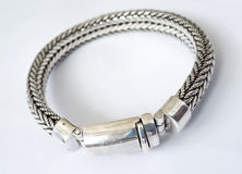 Silbernes Luxusarmband lizenzfreies stockfoto