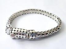Silbernes Luxusarmband lizenzfreies stockbild