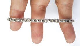 Silbernes Luxusarmband lizenzfreie stockfotografie