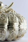 Silbernes Schnitzen der thailändischen Art Stockbilder