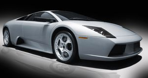 Silbernes Sportauto Stockfotografie