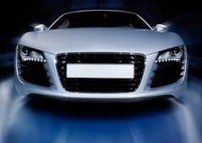 Silbernes Sportauto Lizenzfreie Stockfotos
