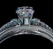 Silbernes Verpflichtungsband mit Diamantedelstein Stockfoto