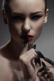 Silencio que muestra modelo de la belleza Fotografía de archivo
