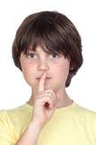 Silencio que ordena del niño adorable Imagenes de archivo