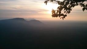 Silhouet阳光是早晨 免版税库存图片