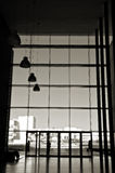 Silhouet bij de bureaubouw Royalty-vrije Stock Afbeelding