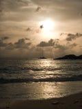 Silhouet de coucher du soleil Images stock
