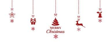 Silhouet Kerstmisornamenten die rode achtergrond hangen Stock Foto's