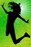 Silhouet met het Knippen van Weg van het Springen van de Vrouw Stock Fotografie