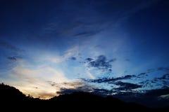 Silhouet op een berg in srinakarindam Royalty-vrije Stock Afbeelding