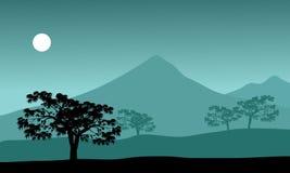 Silhouet van berg en maan Stock Afbeeldingen