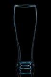 Silhouet van blauw bierglas met het knippen van weg op zwarte achtergrond Royalty-vrije Stock Foto's
