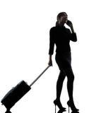 Silhouet van de bedrijfsvrouwen het reizende telefoon royalty-vrije stock afbeelding