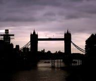 Silhouet van de Brug van de Toren, Londen Stock Fotografie